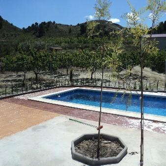 Remate con hormig贸n impreso de piscina en Almorad铆