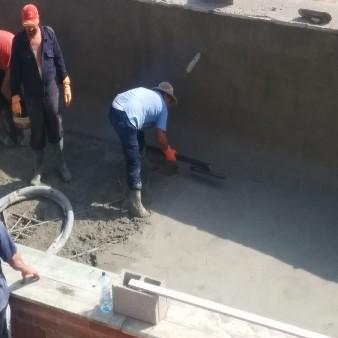 Mastreado gunitado piscina de obra en Guardamar del Segura