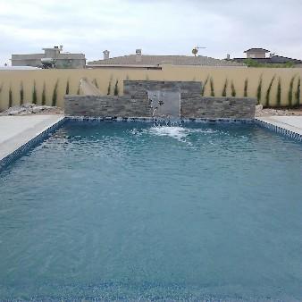 piscina cascada vista frontal alahama de murcia