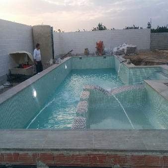 Puesta en marcha de piscina de obra en Guardamar del Segura